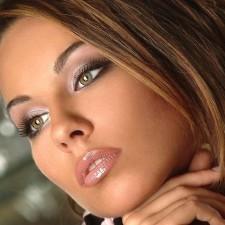 Блондинка, брюнетка, шатенка или рыжая? Подбираем свадебный макияж для зеленых глаз. Фото и подробные советы