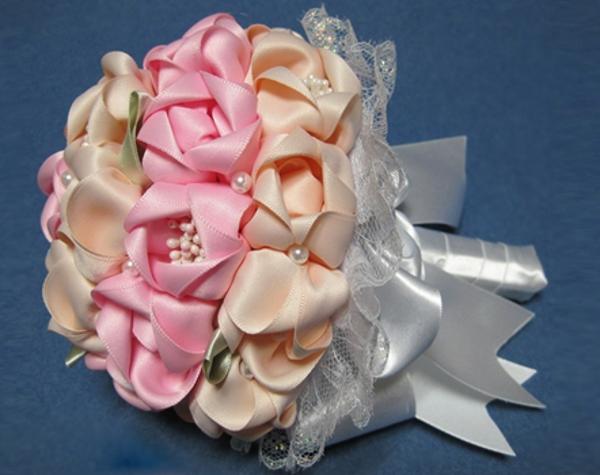 Букет своими руками для невесты из атласных лент своими руками