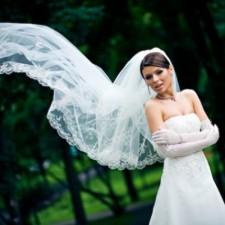 Длинная, средняя или короткая: какую свадебную фату выбрать для невесты? Фото и полезные советы