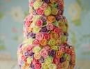 colorful-sugar-roses-wedding-cake