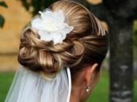 свадебные прически на средний волос