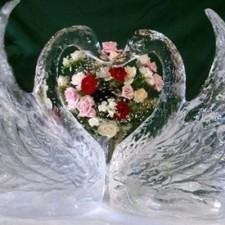 Думаете, что подарить на 15 лет совместной жизни? Какая свадьба - такой и подарок!
